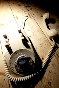 talk to me - cream telephone (2)